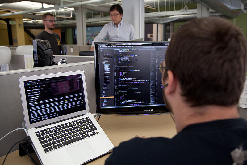 Hacker trabajando
